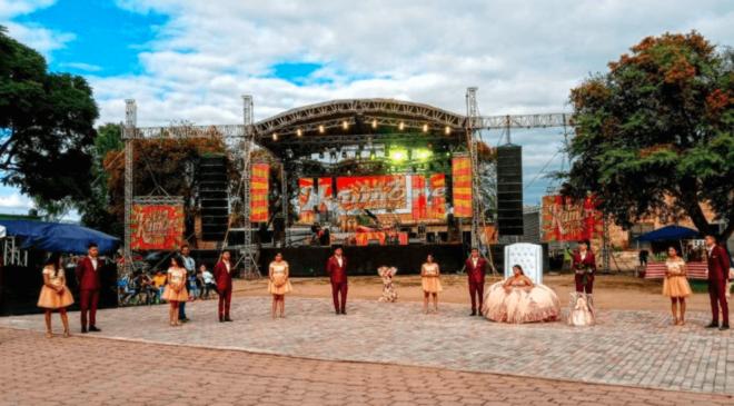 Fiesta con 800 invitados es suspendida por autoridades tras presencia de Covid-19
